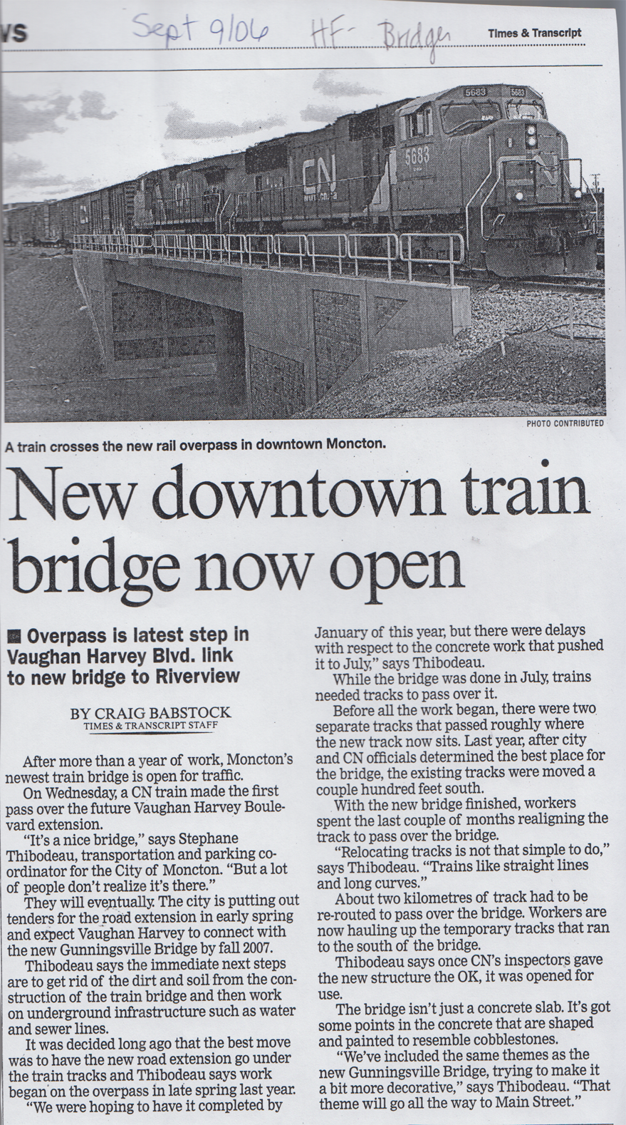 2006Sep NewDowntownTrainBridgeNowOpen
